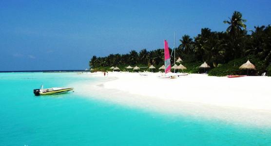 短信群发帮助旅游行业加大宣传力度