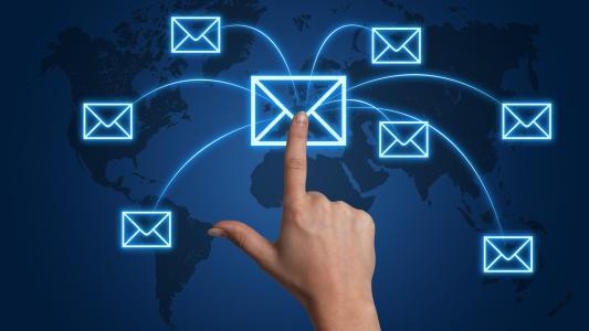 怎样利用短信群发营销将自己打造成驰名中外的品牌